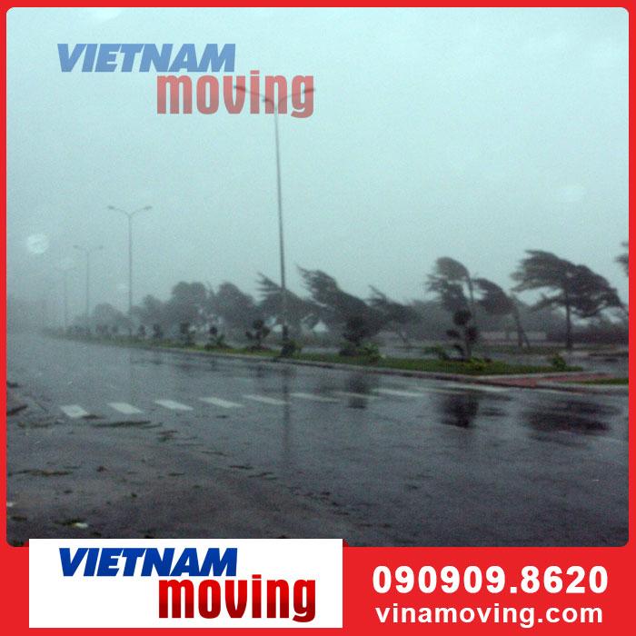 Hướng dẫn vận chuyển nhà khi trời mưa bão lớn hiệu quả