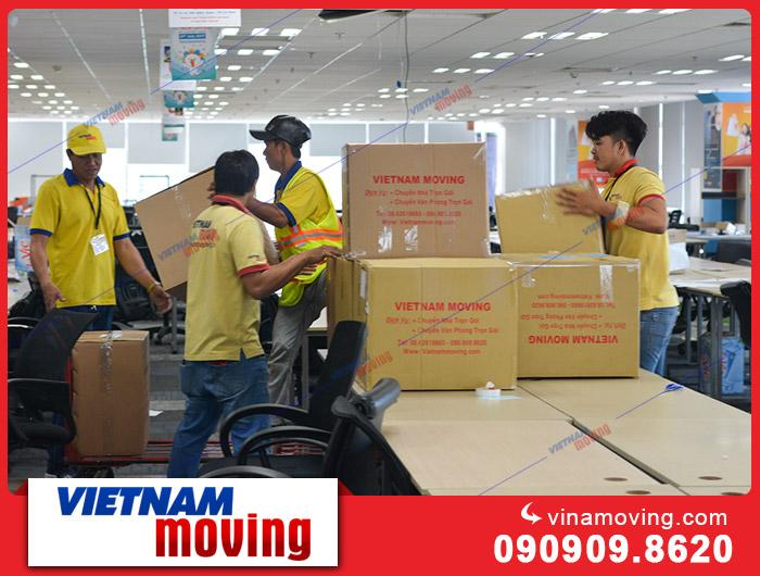 Cách nhân viên dọn dẹp đồ đạc khi chuyển công ty mới