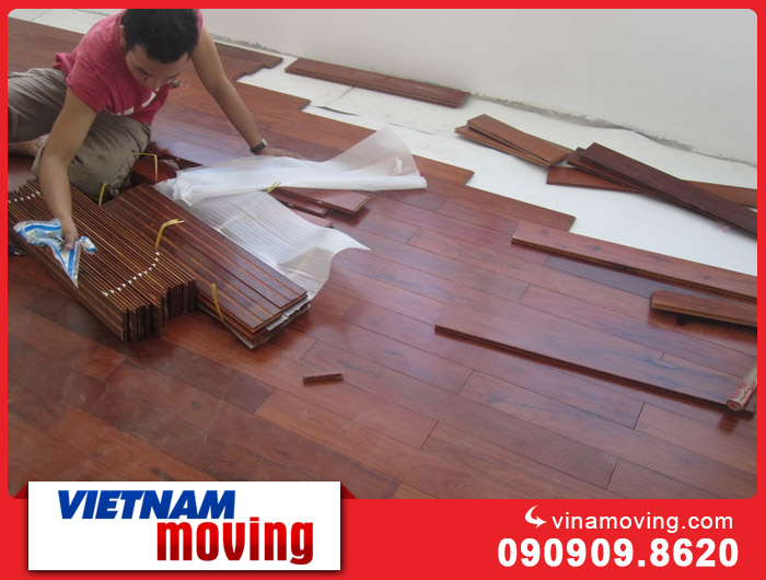 Cách xử lý sàn gỗ khi vận chuyển văn phòng tránh hư hỏng
