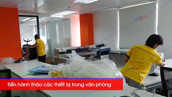 tháo các thiết bị văn phòng khi chuyển văn phòng