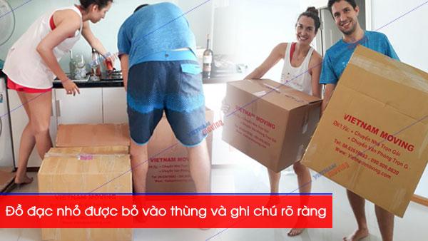 Đồ đạc cá nhân được bỏ vào thùng và ghi rõ ràng tránh thất lạc khi chuyển nhà