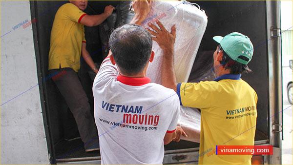 Vinamoving luôn đặt quyền lợi khách hàng lên ưu tiên hàng đầu-Dịch vụ chuyển nhà trọn gói tỉnh Long An - Giá rẻ nhanh chóng
