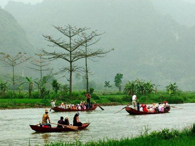 Từ Hà Nội đi chùa Hương bao nhiêu km?