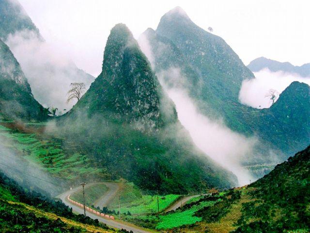 Từ TPHCM đi Hà Giang bao nhiêu km?