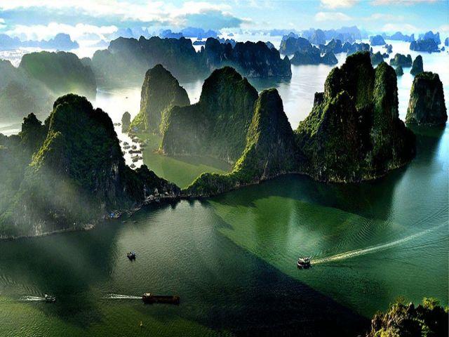 Từ TPHCM đi Quảng Ninh bao nhiêu km?