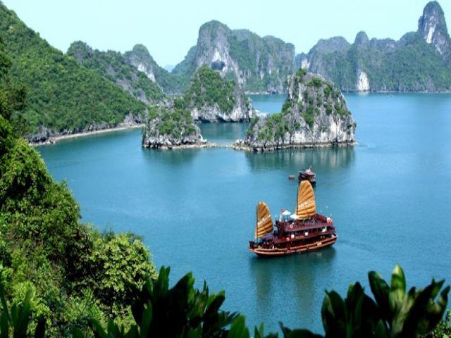 Từ Hà Nội đi Quảng Ninh bao nhiêu km?