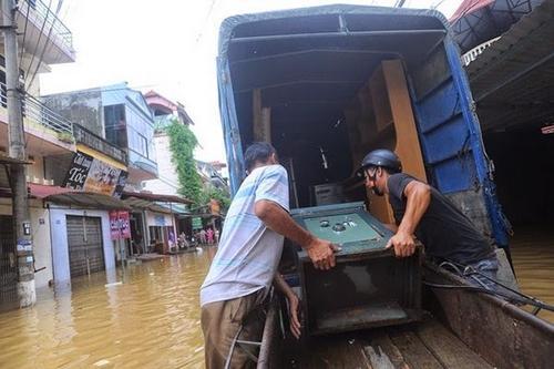Hướng dẫn vận chuyển nhà trọ khi trời mưa giúp đồ vật không bị ướt