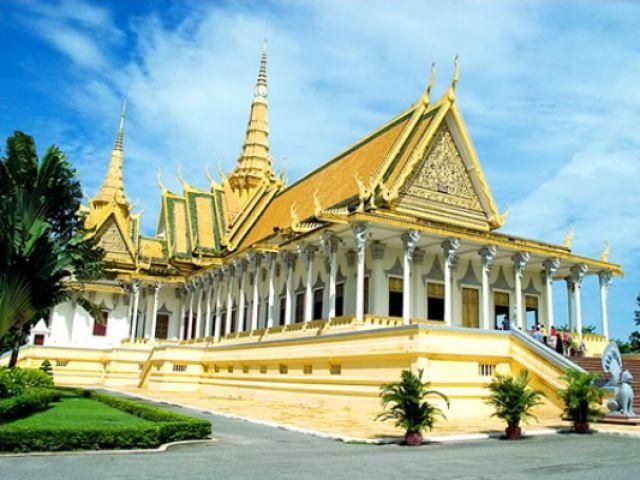 Từ TP.HCM đi Phnôm Pênh bao nhiêu km?