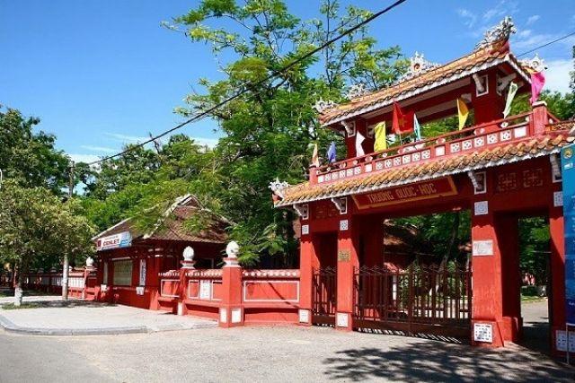 10 ngôi trường cổ kính tuyệt đẹp ở Việt Nam