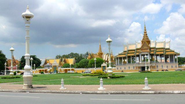 Từ Cần Thơ đi Phnom Penh bao nhiêu km?