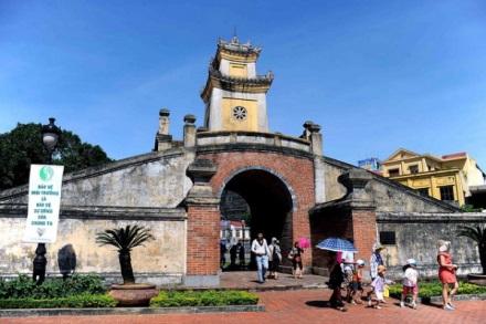 TP.HCM đi Quảng Bình bao nhiêu km?