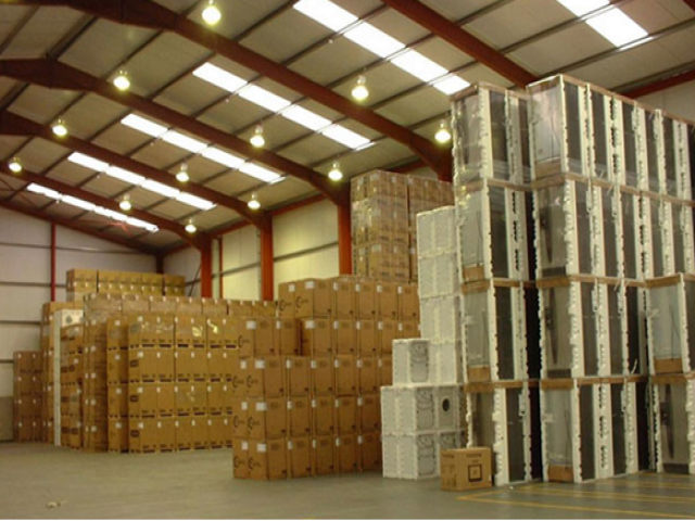 Dịch vụ chuyển kho xưởng thần tốc Vina Moving