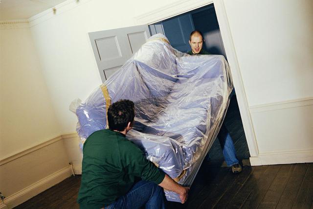 chuyển ghế sofa khi chuyển nhà