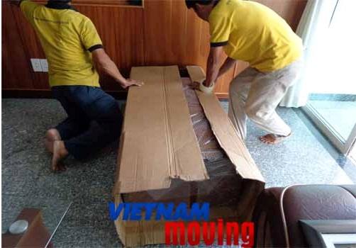 Nhân viên công ty Vietnam Moving