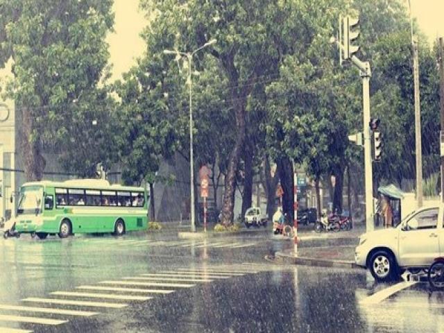 chuyển nhà phố khi trời mưa