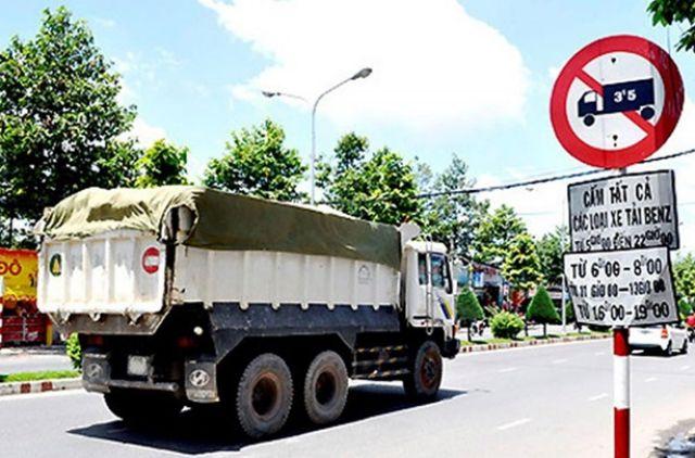 Chuyển nhà nên chú ý những khung giờ, đường phố nội ô Sài Gòn cấm xe tải di chuyển
