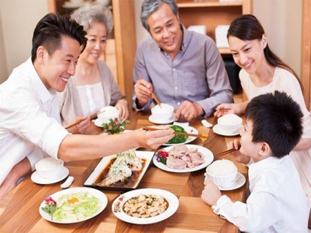 Cách bố trí môi trường dùng bữa trong gia đình