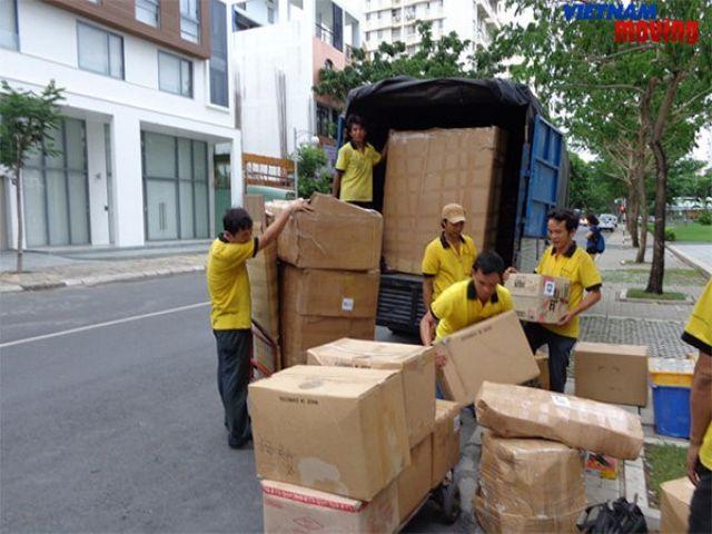 Taxi tải chuyển nhà trọn gói giá rẻ uy tín tại TPHCM